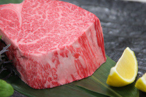 松坂牛の極厚ヒレステーキ